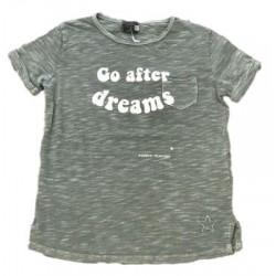 "CAMISETA ""GO AFTER DREAMS"" VERDE -TOCOTO"